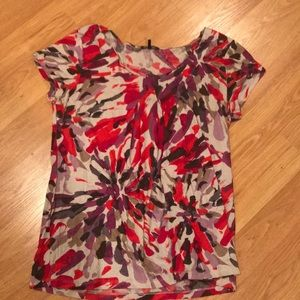Daisy Fuentes colorful top w pleated center